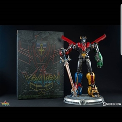 Picture of Sideshow voltron huge polystone statue with LED in the eyes limited to 1000